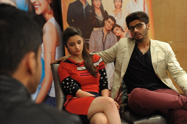 Alia Bhatt and Arjun Kapoor in London (4)