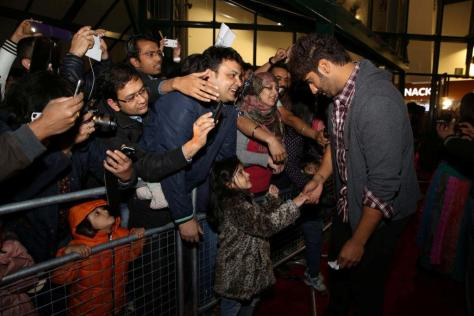 Arjun meeting fans