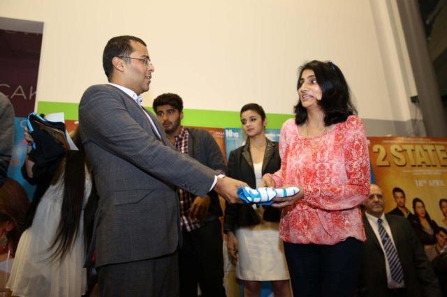 Chetan Bhagat and contest winner