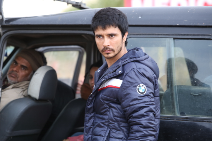 NH10 Still Eros International (1)