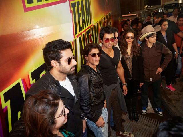 FARAH KHAN, ABHISHEK BACHCHAN, SRK, SONU SOOD,DEEPIKA PADUKONEA AND VIVAAN SHAH BN6A8425