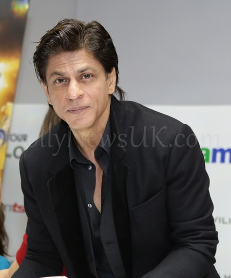 Shah Rukh Khan Happy New Year SLAM Press Conference in London (5)