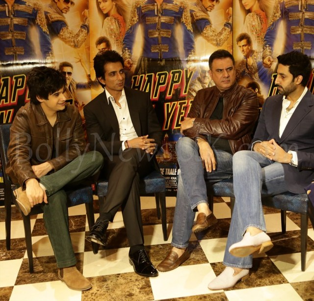 Vivaan, Sonu, Boman and Abhishek at Hapy New Year Promotions in London