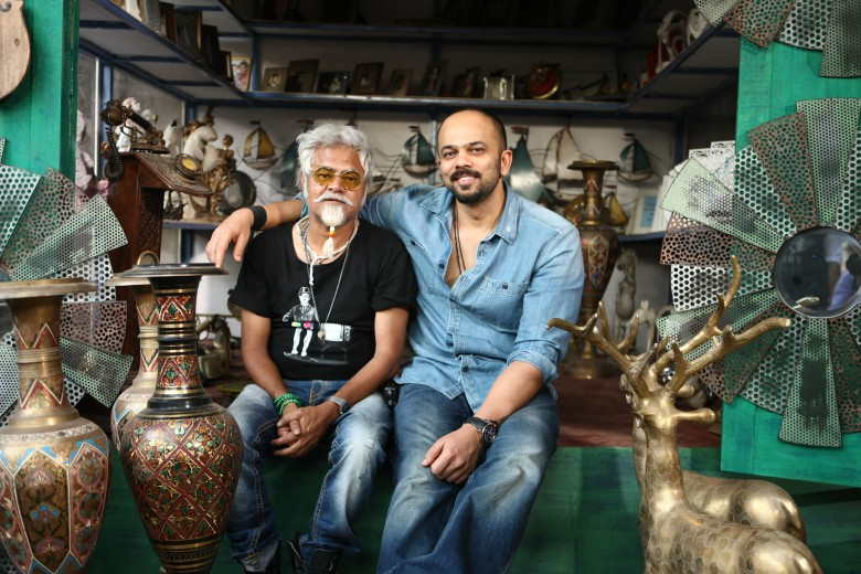 SANJAY MISHRA AND ROHIT SHETTY ON DAY ONE SHOOT OF DILWALE 675C7021