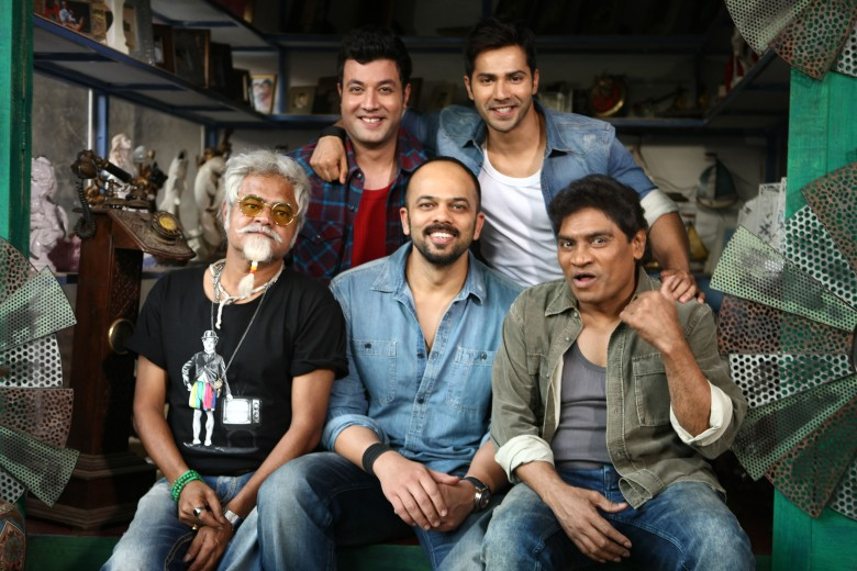 VARUN SHARMA, VARUN DHAWAN, SANJAY MISHRA, ROHIT SHETTY AND JOHNY LEVER ON DAY ONE SHOOT OF DILWALE 675C7026