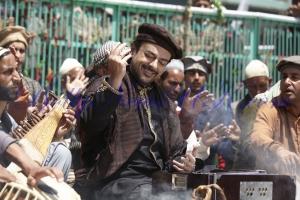 Bhar Do Jholi Meri - Bajrangi Bhaijaan - Adnan Sami Interview (2)