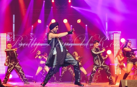 Akshay Kumar performs in USA (2)