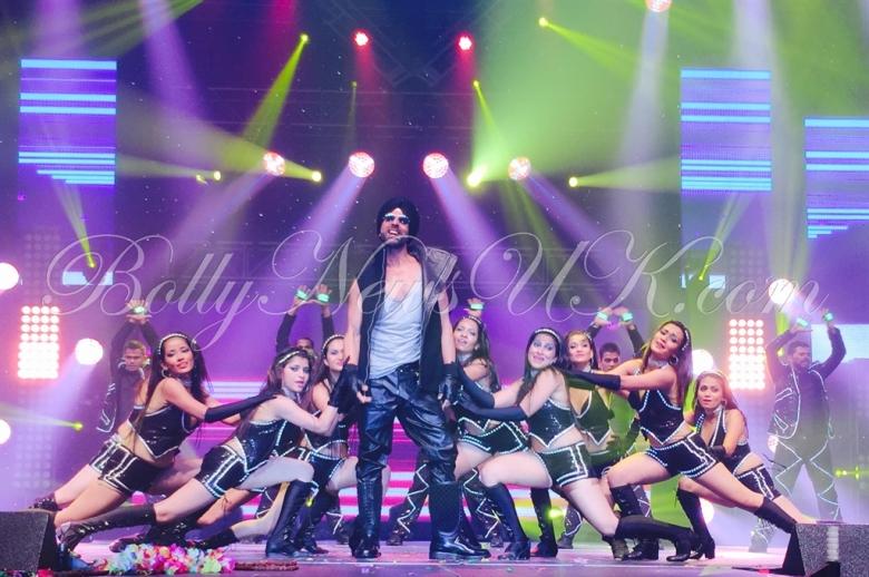 Akshay Kumar performs in USA (3)