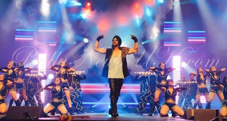 Akshay Kumar performs in USA (4)