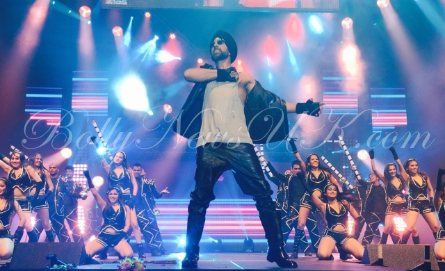 Akshay Kumar performs in USA (5)