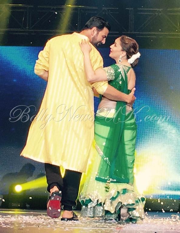 Akshay Kumar performs in USA (6)