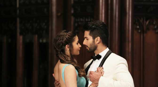 Watch: Shahid & Alia in Nazdeekiyaan from 'Shaandaar'