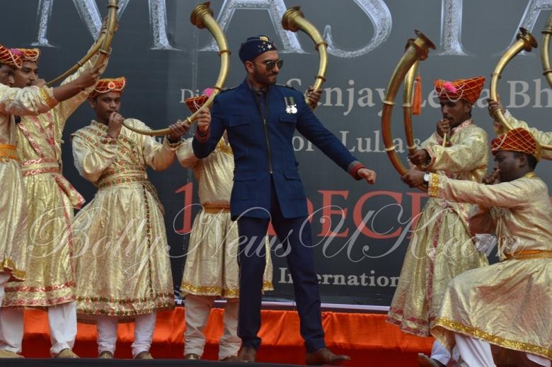 Bajirao Mastani -Ranveer Singh poster launch (5)