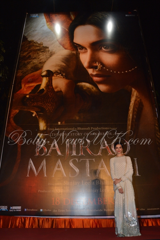 Deepika Padukone Mastani Poster launch (3)
