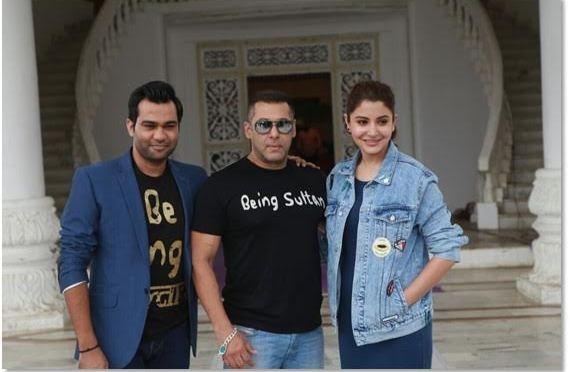 Salman Khan, Anushka Sharma and Ali Abbas Zafar Celebrate Sultan