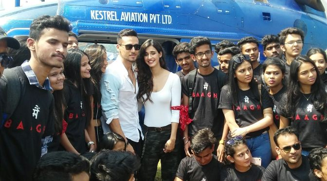 Photos: Tiger Shroff & Disha Patani meet fans for 'Baaghi 2'