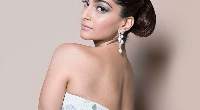 Sonam Kapoor to soon meet Anuja Chauhan for 'The Zoya Factor'