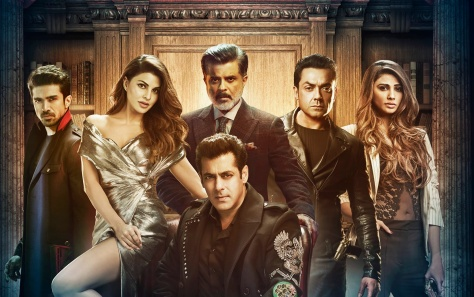 Family_Poster_Race3[2]
