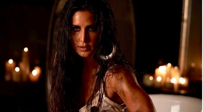 Katrina Kaif scorches the screen in #Zero's 'Husn Parcham'